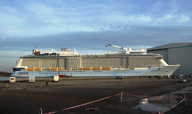 Anthem of the Seas worlds biggest cruise ships  most amazing ships vdiscovery arvinovoyage