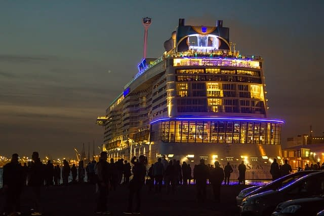Quantum of the Seas Sailing Nights worlds biggest cruise ships  most amazing ships vdiscovery arvinovoyage