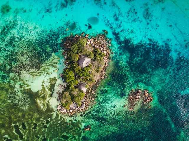 Seychelle Islands 20 popular tourist locations under threat that are dying vdiscovery arvinovoyage
