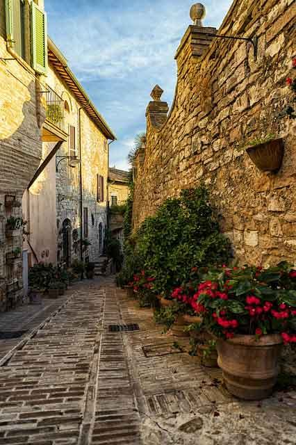 Spello travelling in italy best places to visit you cant miss vdiscovery arvinovoyage