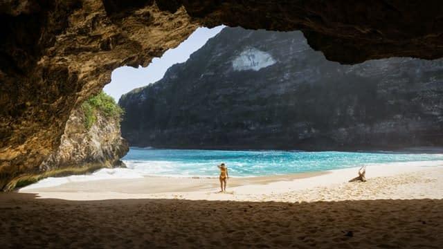 Kelingking Beach 10 awesome things to do on nusa penida island  interesting destination vdiscovery arvinovoyage