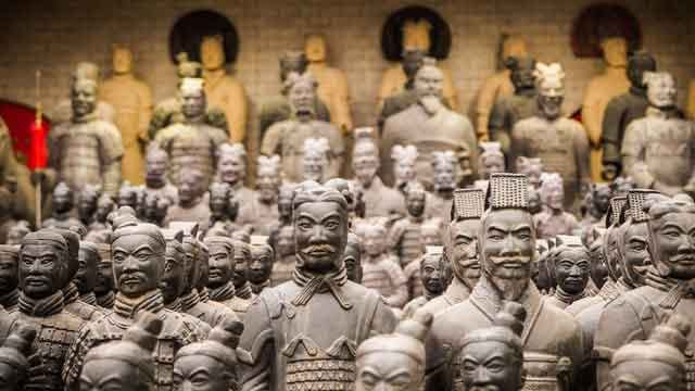 Mausoleum-of-the-First-Qin-Emperor-this-great-magnificent-building-turns-out-to-be-an-ancient-tomb-vdiscovery-arvinovoyage