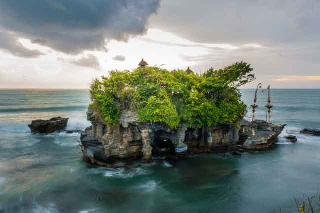 Tanah Lot the 10 best bali beaches vdiscovery arvinovoyage