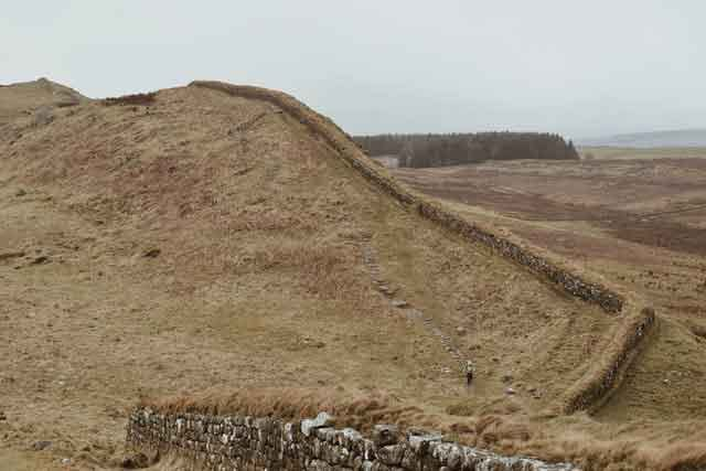 Hadrians-Wall-United-Kingdom-top-5-ancient-wall-still-standing-today-vdiscovery-arvinovoyage