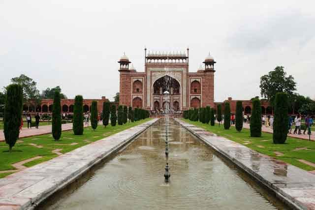 Taj-Mahal-this-great-magnificent-building-turns-out-to-be-an-ancient-tomb-vdiscovery-arvinovoyage