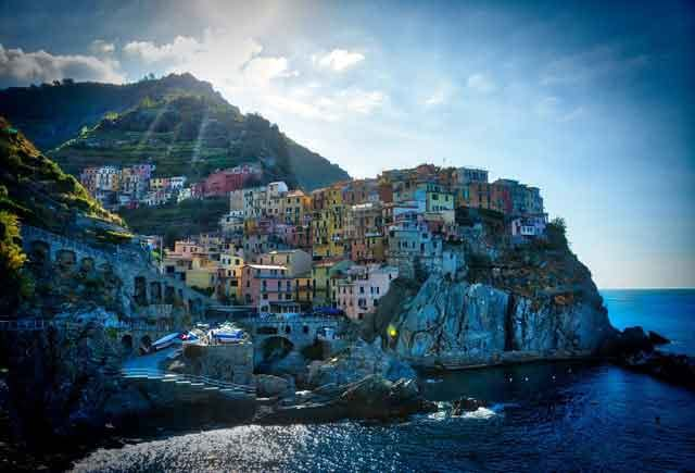 Manarola, Cinque Terre travelling in italy best places to visit you cant miss vdiscovery arvinovoyage