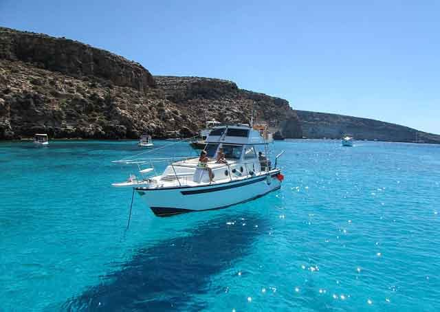 Rabbit Beach In Lampedusa travelling in italy best places to visit you cant miss vdiscovery arvinovoyage