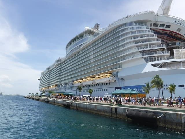 Allure of the Seas  worlds biggest cruise ships  most amazing ships vdiscovery arvinovoyage