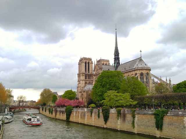 River Seine 20 popular tourist locations under threat that are dying vdiscovery arvinovoyage