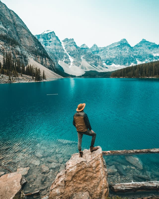 Moraine Lake10 best places to visit in canada discover fantastic vdiscovery arvinovoyage