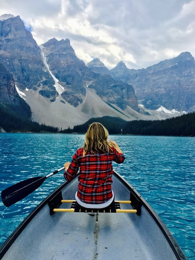 Valley of the Ten Peaks 10 best places to visit in canada discover fantastic vdiscovery arvinovoyage