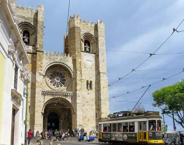 Lisbon Cathedral Se de Lisboa lisbon portugal tourist attractions most famous before you go vdiscovery arvinovoyage